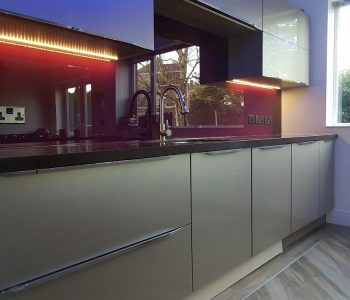 kitchen walls glass splashbacks design 19