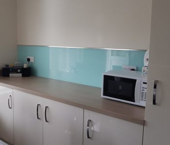 kitchen walls glass splashbacks design 32