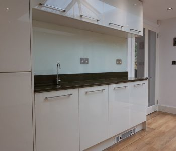 kitchen walls glass splashbacks design 44